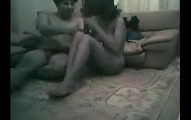 इंडियन गर्लफ्रैंड को उसके घर जाकर चोदा