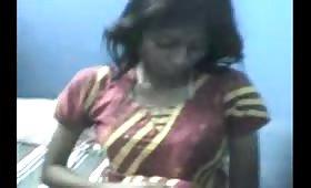 इंडियन गर्ल फ्रेंड की शादी में जमकर ठुकाई