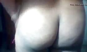 भाभी ने दिखाई अपनी गांड और बूब्स