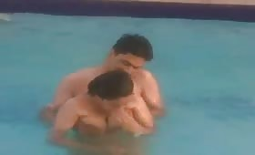 स्विमिंग पूल में हिमानी को उसके बॉयफ्रेंड ने चोद डाला