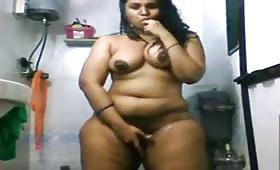 जया ने दिखाई बड़ी गांड और बूब्स